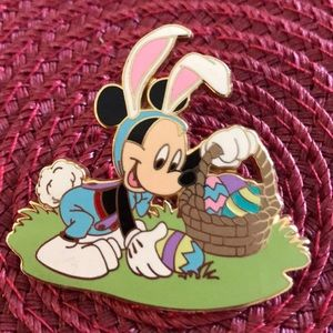 Disney Mickey Easter pin
